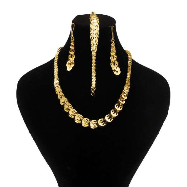جواهراتی که لباس های ساده را کامل می کنند